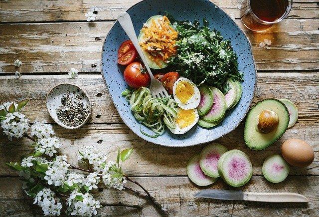 Zdrowe danie z awokado