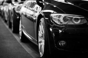 Samochody w rzędzie